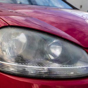 Rénover des phares de voiture